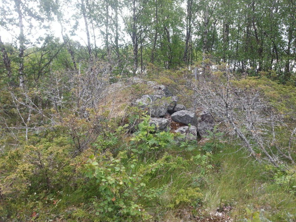 Rester av en begravd ryss på Holmögadd